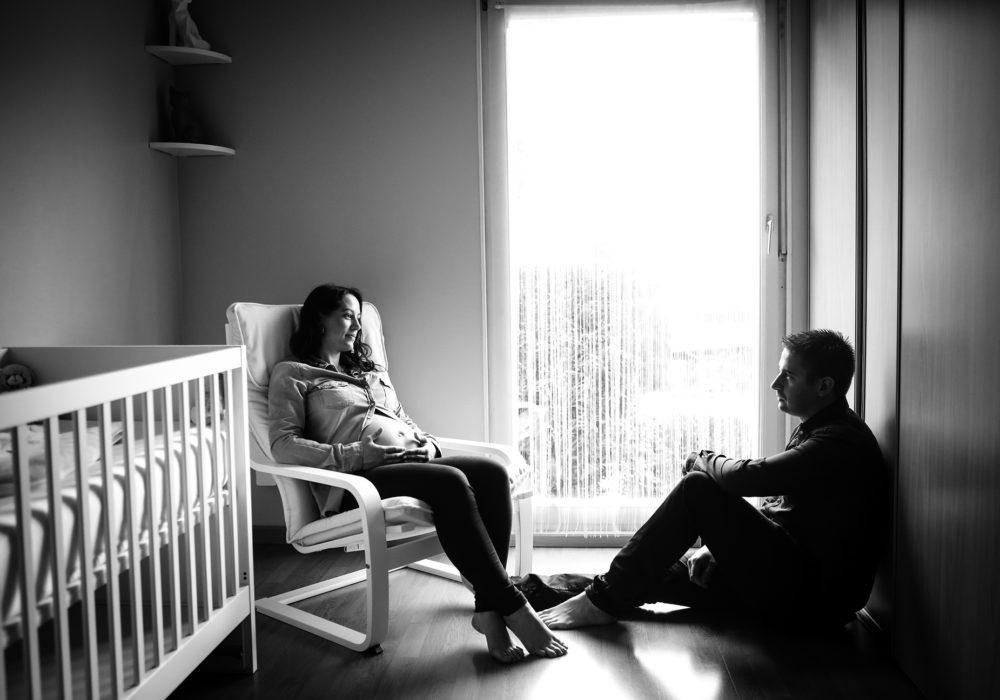 photographe-couple-grossesse-maternite-domicile-montpellier-nimes